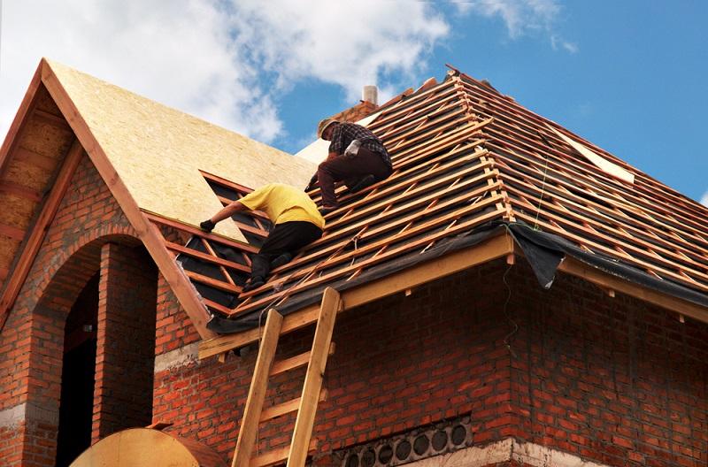 Ремонт кровли крыши частного дома -